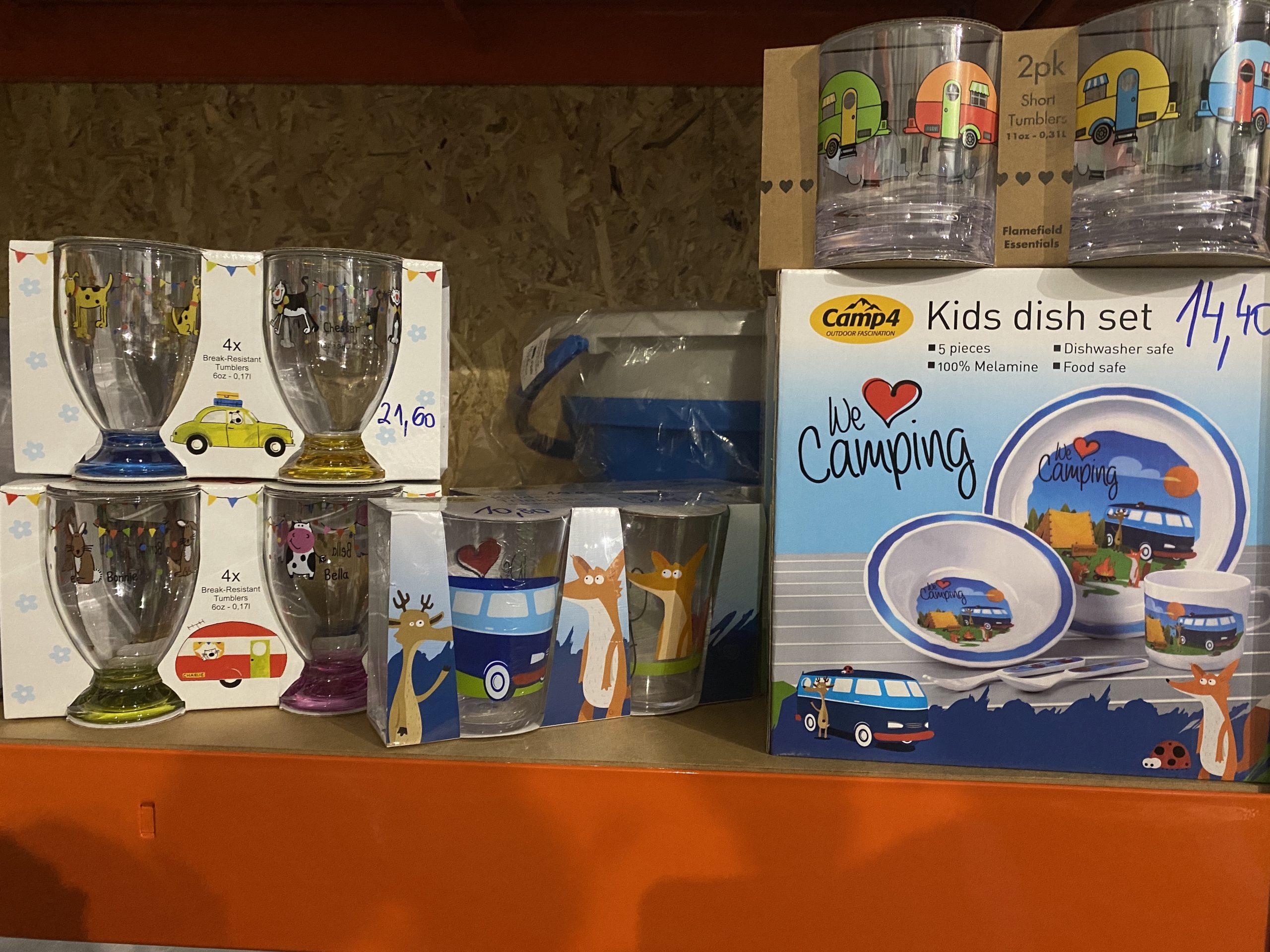 Doplnky na kempovanie- poháre,príbory,taniere a pod. Image