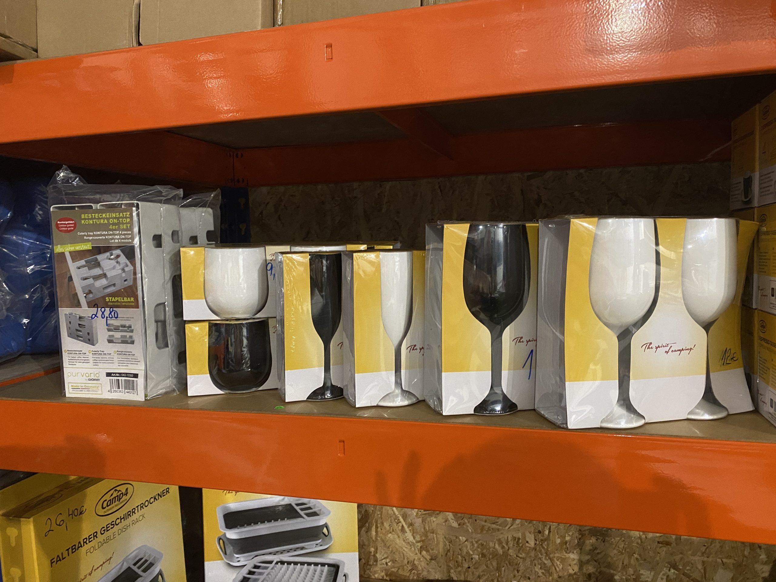Umelohmotné poháre biela/čierna Image